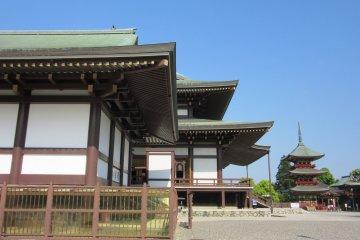 Naritazan temple complex