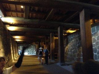 A rare architecture design is this underground passage that leads to the main courtyard where the castle keep is. It is constructed with huge Japanese zelkova trees. It was also used as a place to accept important guests before presenting the castle.