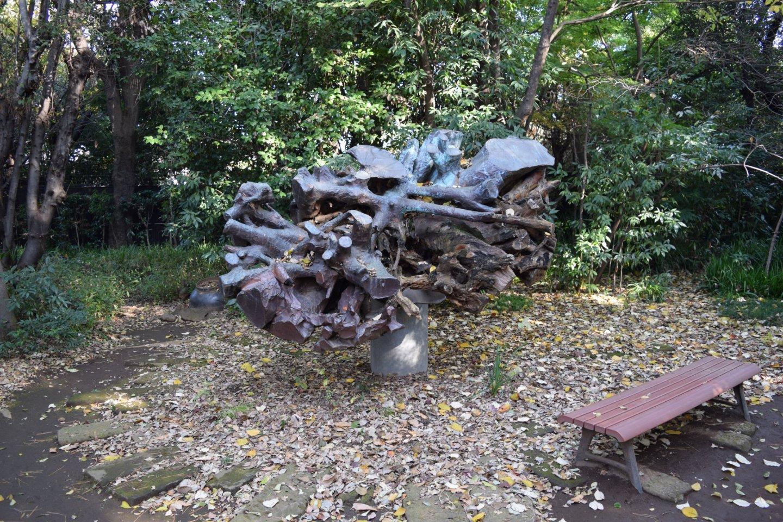 The curious Mejiro no Mori sculpture
