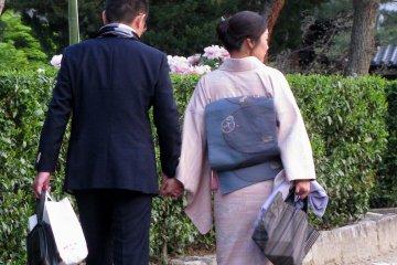 Женщины в кимоно встречаются чаще, чем мужчины