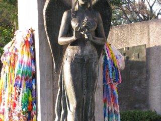Памятник погибшим студентам в Хиросиме