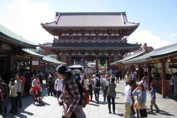 Храм Сэнсо-дзи в Токио