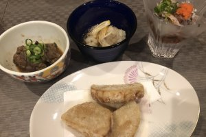 Complementary dishes tonight include namban (deep fried food dipped in vinegar sauce) and taro tempura