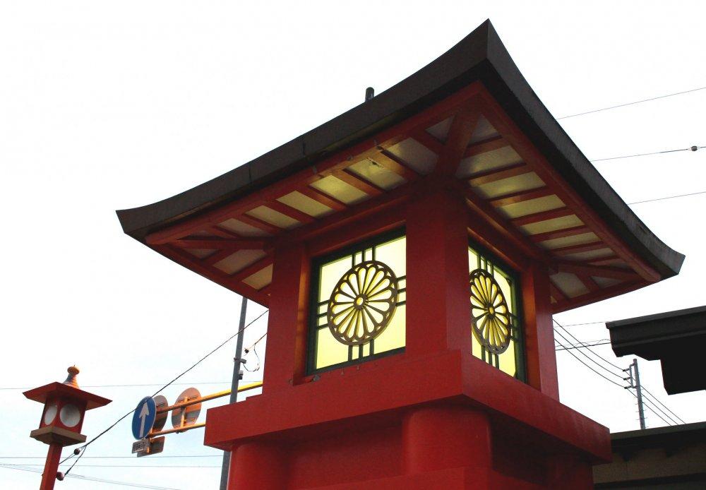 Кику, или хризантема, является государственным цветком Японии