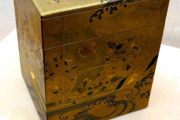Cajas con chapa de oro anidadas - Residencia Samurai Nomura-ke