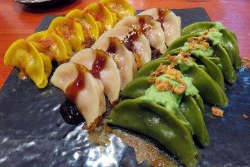 Gyozas muy originales y deliciosas - Dekonaru Yokocho
