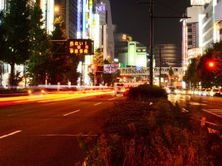 شينجوكو ليلاً