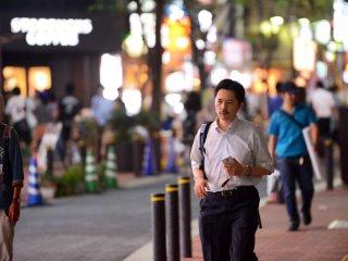 شينجوكو هو الحي التجاري وبه العديد من المكاتب ولذلك هو مكان جيد للرواتب والموظفين