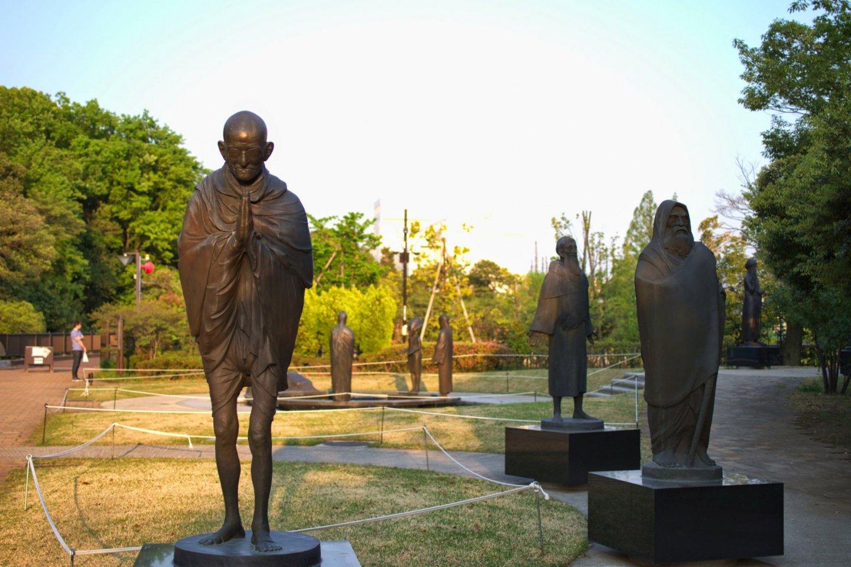 Statues in the Philosophers Garden
