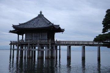 Ukimido temple hall at Mangetsuji Temple