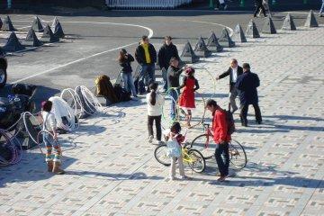 A hula hoop demonstration