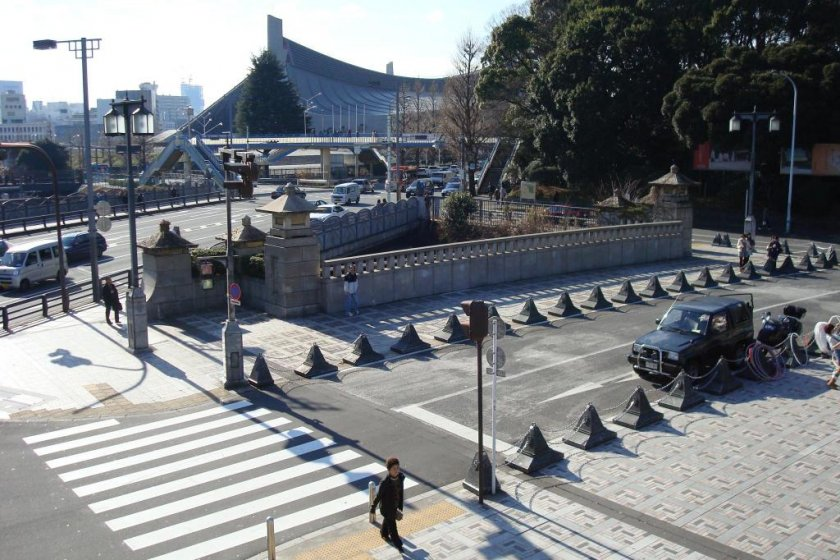 Jingu Bashi as seen from the overpass