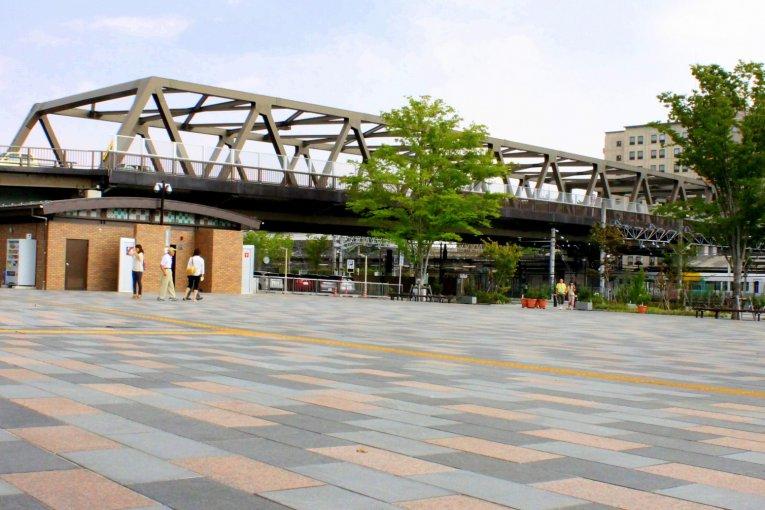 Станции Кофу и Минами-Кофу