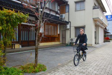 Tsurugi is an ancient town with a deep Edo vibe.