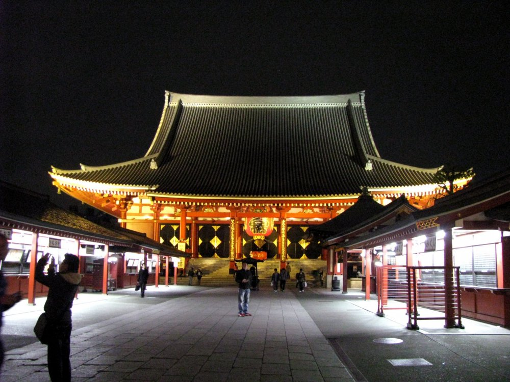 Senso-ji temple has beautiful night illumination