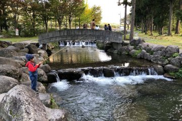 It's a fun spot for the entire family - plenty of children were fishing, too!