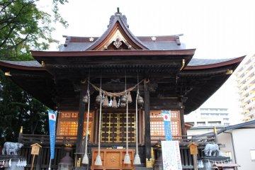 Храм Цуцудзигаока Тэммангу в Сэндае