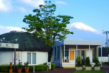 Peter Rabbit slow house villa and Mt Fuji in the background