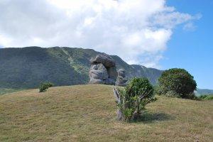 Moyai sculptures, Niijima Island