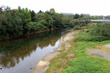 Река Хиросэ течёт через весь город