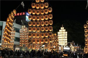 Huge compositions of lanterns at the Kanto Matsuri