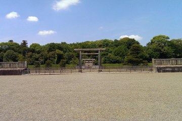 Tomb of Emperor Jimmu