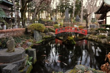 Pond at Omuro Sengen Shrine