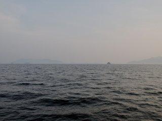 ทะเลในเซะโตะมีทิวทัศน์อันงดงามของเกาะต่างๆ กลางทะเล