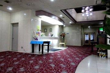 Просторный уютный вестибюль