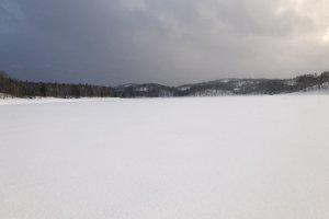 The frozen Lake Shumarinai
