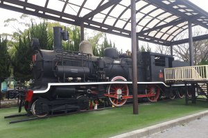Life-sized steam engine