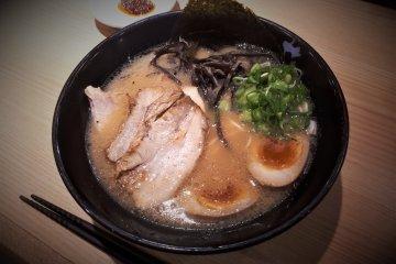 Tonkotsu all topping ramen