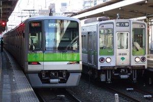 Toei Shinjuku Line trains