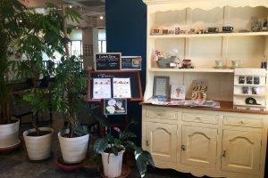 Charming entrance to Panja Cafe+