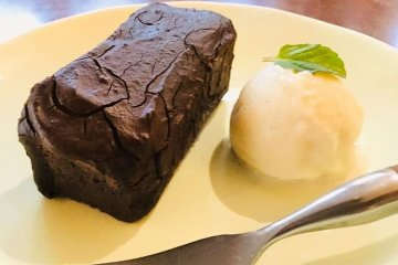 Tofu brownie with soy ice cream