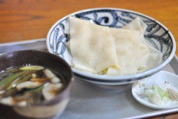 Kawahaba udon noodles