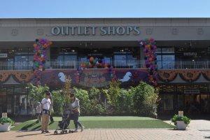 Outlet shops