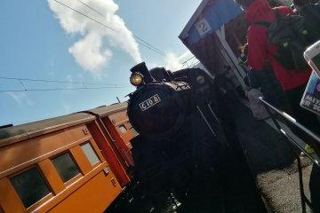 Authentic, fully operational steam locomotive at Shin-Kanaya Station