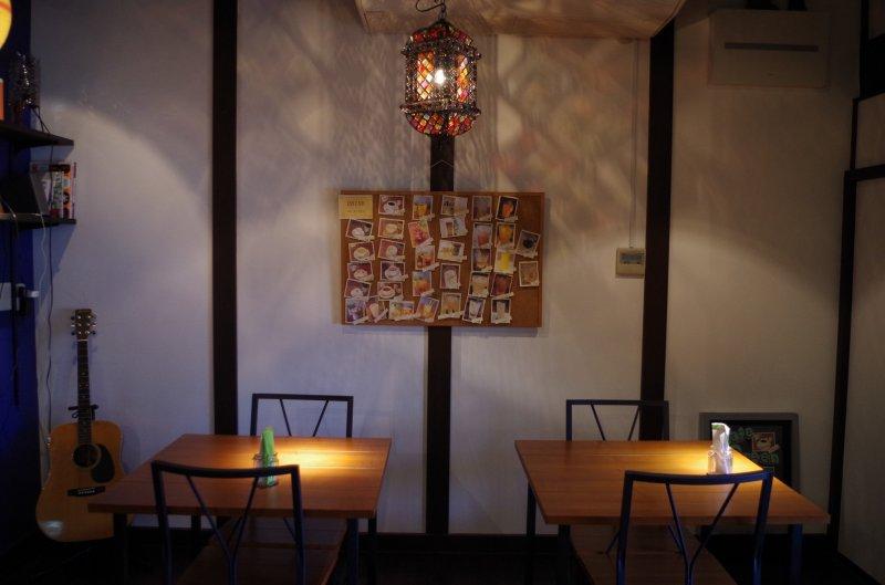 <p>地面咖啡廳</p>