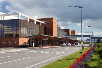 메만베쓰 공항
