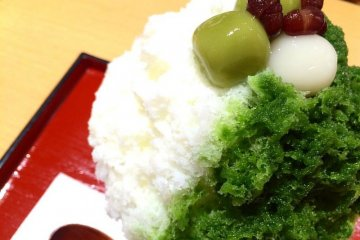 Matcha-flavored kakigoori is a great way to stay cool