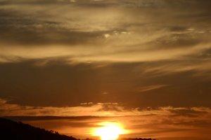 ทิวทัศน์ในระหว่างที่พระอาทิตย์ขึ้น
