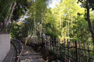 """Tenjinzaka, """"Kamakura of the east"""""""