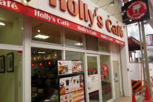 Holly's Cafe is hard to miss!