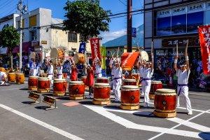Schools go head to head in brilliant Taiko drumming displays