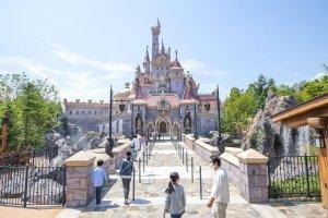 东京迪士尼乐园开放其史上最大规模的扩建工程