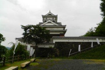 Kaminoyama Castle is definitely worth a look.