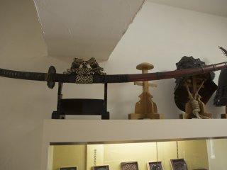 Меч такой длины немедленно заставил меня думать о экстравагантном уставе Тосиро Мифунэ в Семи самураях.