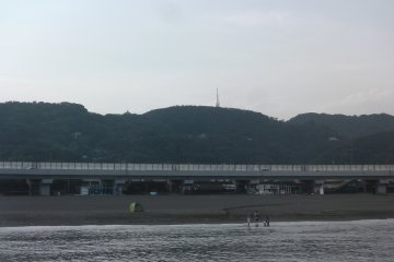 View of the mountain chain from Oiso Port