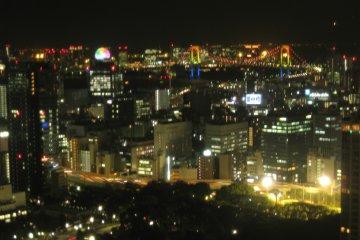可以看到东京湾 彩虹桥